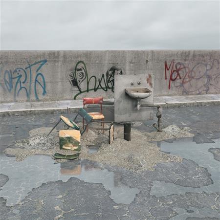 废弃家具 椅子 面盆