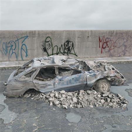 废弃汽车 废车残骸